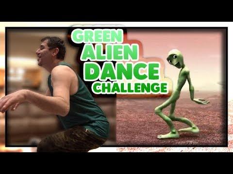 GREEN ALIEN DANCE CHALLENGE!!