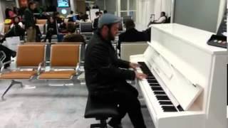 Video Malos Pelos - La canción más hermosa del mundo (Aeropuerto de Orly, París) download MP3, 3GP, MP4, WEBM, AVI, FLV April 2018