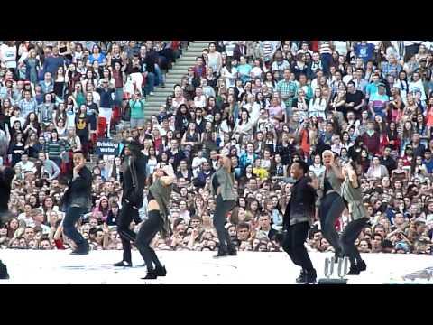 Usher Scream Live at Summertime Ball 09.06.12