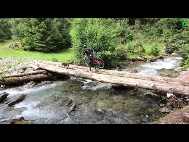 Aventuri pe bicicleta : Printre munti