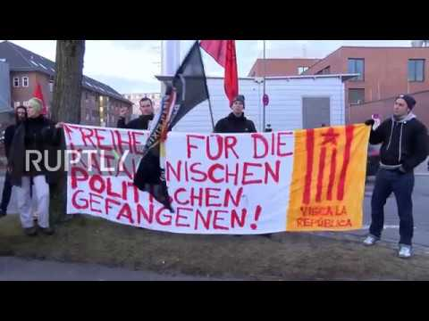 Germany: Catalan MPs join pro-Puigdemont protest outside Neumunster prison