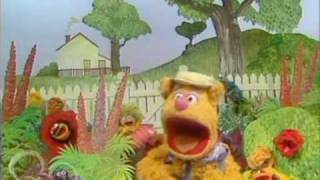 The Muppet Show. Fozzie Bear - Good Day Sunshine / Dancing in the Dark