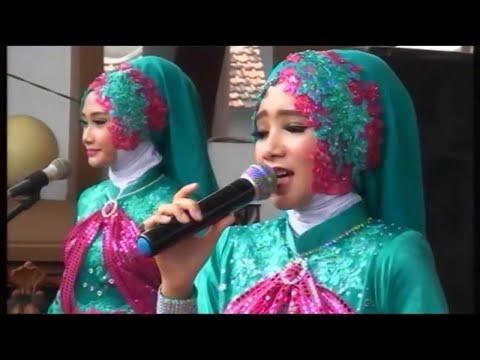 wanita dan kecantikan Qasidah ezzurA