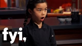 Video Man vs Child: Chef Chris vs. Chef Estie (S1, E8) | FYI download MP3, 3GP, MP4, WEBM, AVI, FLV Februari 2018