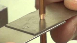 Точечная сварка стальных полос аппаратом CD600DP(Точечная сварка стальных пластинок толщиной 0.25мм, 0.5мм и 0.76мм. Используется аппарат точечной микросварки..., 2015-03-17T08:26:05.000Z)