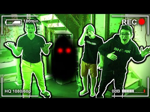 **GHOST FOUND** SCARY HIDE AND SEEK! 😱👻(With UnspeakableGaming & 09SharkBoy)