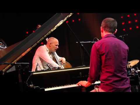 Avishai Cohen - 'Four Verses / Continuation' live (Jazz in Marciac, 2014)