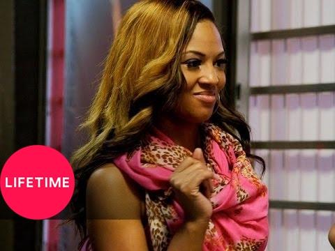 Download Bring It!: Setting Up Kayla's Prom Proposal (Season 1, Episode 15)   Lifetime