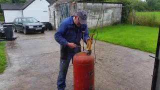 How To Build A Big Gas Bottle Pot Belly Stove Barbecue At Home, Its A Multi Purpose Wood Burner