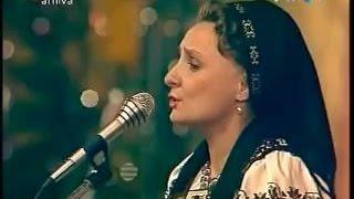 Leontina Fărcaş în primul Concert de Colinde Tezaur Folcloric (1990)