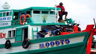 Những Chiếc Tàu Muôn Hình Muôn Vẻ  Tại Sông Ba Hòn    Từ Siêu