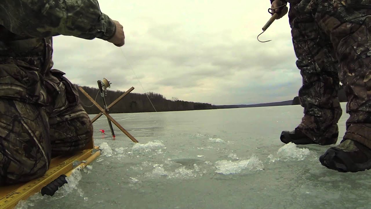 Ice fishing northern pike glendale lake pa youtube for Pa ice fishing