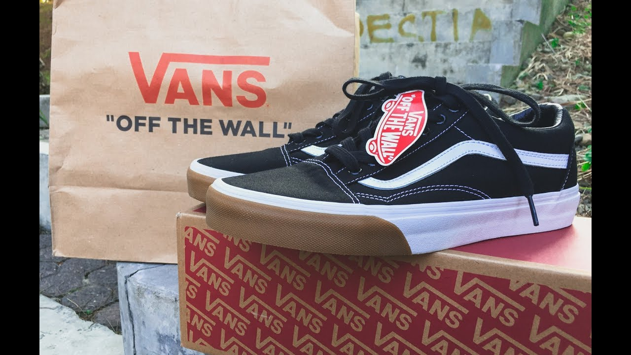d3ee1899f2 Vans Oldskool Gum Bumper - unboxing   on feet - YouTube