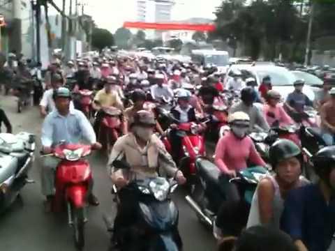 Saigon Ket xe KHUNG KHIEP !!!