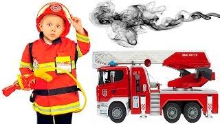 ВИДЕО ПРО ПОЖАРНЫХ ДЛЯ ДЕТЕЙ - Пожарный герой Даник все серии подряд. Boy playing firefighter