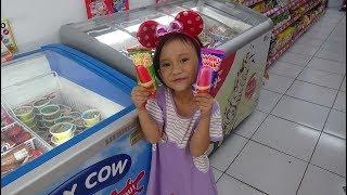 Nyobain Es krim Waku Waku Rasa Watermelon#Enak engga yah Rasanya!!! Glico Wings Ice Cream From Japan