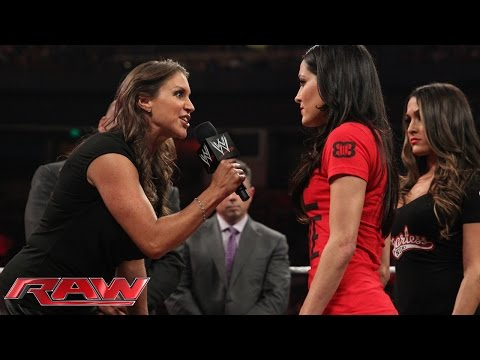 Brie Bella vs. Stephanie McMahon SummerSlam contract signing: Raw, Aug. 4, 2014 thumbnail