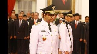 Video Jokowi Sempat Mengulang Tuntun Pembacaan Sumpah Jabatan Anies Sandi download MP3, 3GP, MP4, WEBM, AVI, FLV Desember 2017