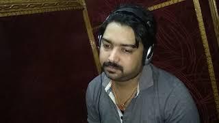 पवन सिंह के तबला वादक अंजनी सिंह का कुछ अलग अंदाज में तबला बजाते हुए