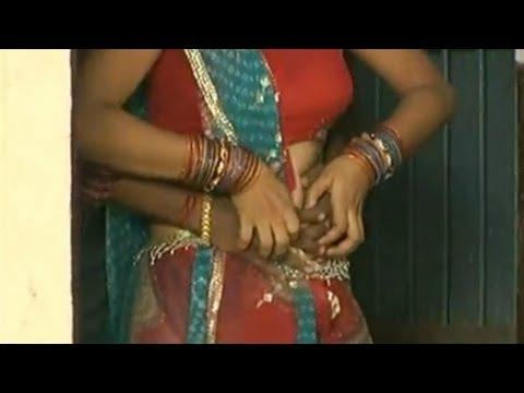 Kaat Dihi Fita (Hot Bhojpuri Video Song) - Madam Maaza Mangeli