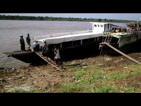 Congo River boat ride is Anthony Bourdain's dream come true (Parts Unknown)