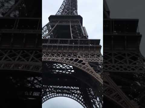 Paris is calling ... a view of Eiffel Tower from my phones eye 😁