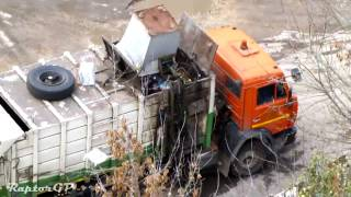 Russian KAMAZ and ZIL garbage trucks. Мусоровозы на шасси ЗиЛ и КАМАЗ