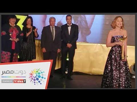 منة شلبى بعد تكريمها بمهرجان أسوان: السينما حياة وسحر  - 04:53-2019 / 2 / 21
