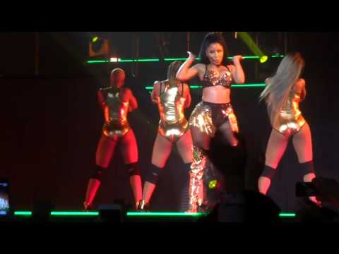 Nicki Minaj - Anaconda (Live)