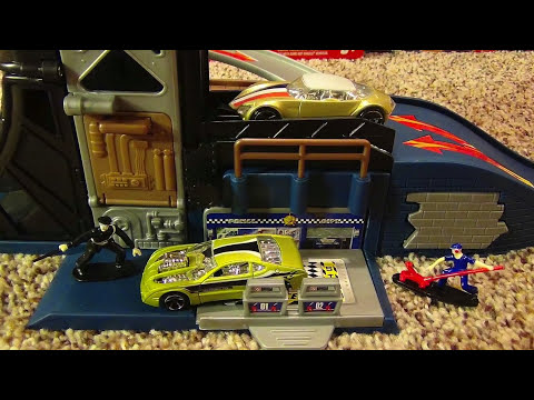 Hot Wheels Power Tower Playset with Police Chase and Escape Exit Ramp