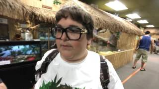 Andy Milonakis visits cool reptile zoo