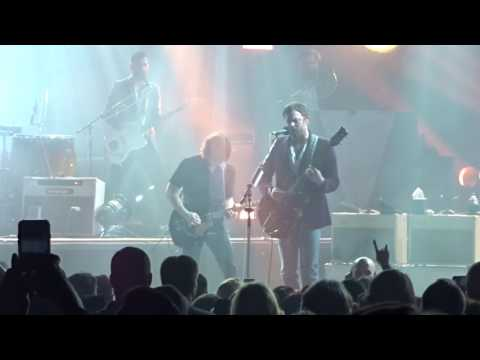 Kings of Leon - Reverend - Live at the Fox Theater in Detroit, MI on 3-9-17