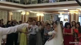 Человек-паук станцевал лезгинку на свадьбе. Смотреть до конца
