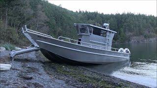 قارب ولكن يمشي على اليابسة ! (فيديو)