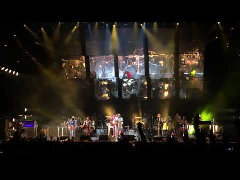 ARCADE FIRE - Keep the Car Running @ Bilbao BBK Live 2016