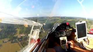 Passage planeur Sainte Foy La Grande - Glider low pass