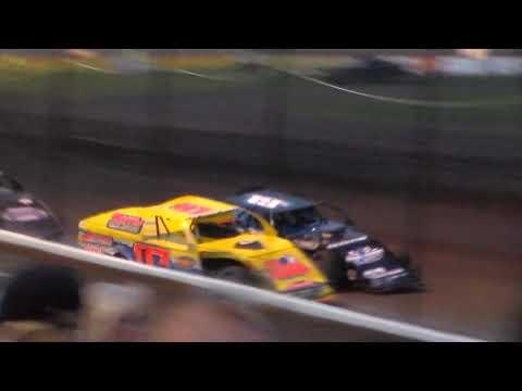 Modified Bmain 3 @ Hancock County Speedway 08/12/17