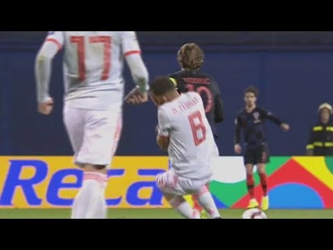 El manotazo de Luka Modric a Dani Ceballos ⚽ Futbol Internacional ⚽ HD ⚽ 2018