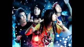 Pierce The Veil- Caraphernelia (Acoustic)+download And song Meaning
