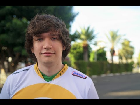 Meteos: deciding between competing or creating content