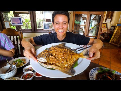 Giant CRISPY POMFRET at 1 MICHELIN STAR – Thai Food Restaurant! | Bangkok, Thailand