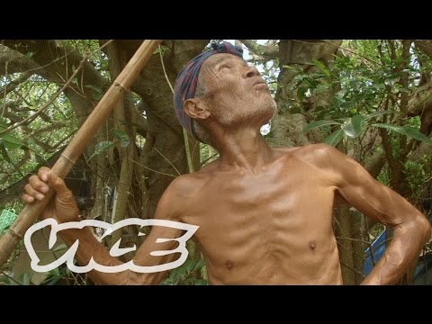 Japan's Naked Island Hermit: VICE INTL (Japan)