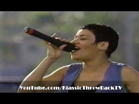 """Salt-N-Pepa - """"Whatta Man"""" Live (1994)"""