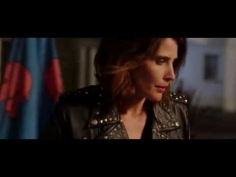 Cobie Smulders smoking cigarette