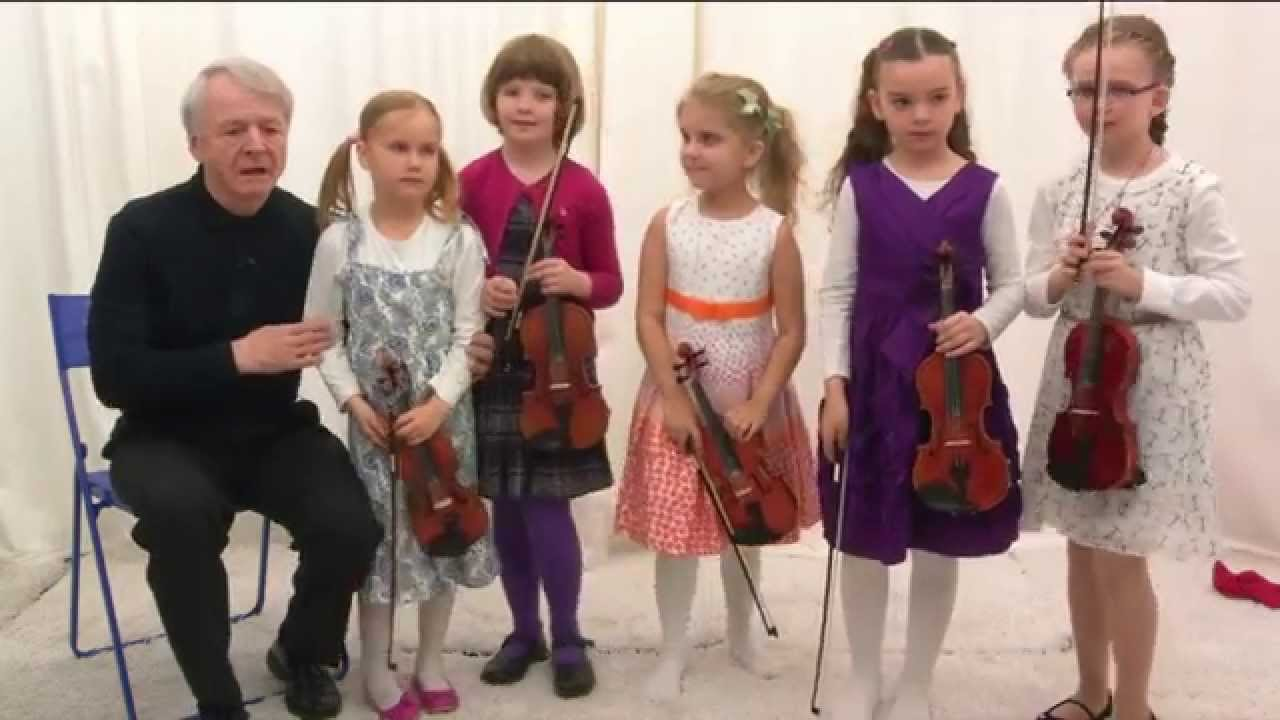 Excerpt of the Int. Minifiddlers Colourstrings lesson 26 / 2nd Year