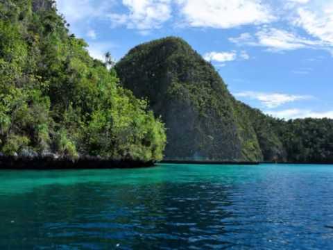 wisata-raja-ampat-papua-from-indonesia
