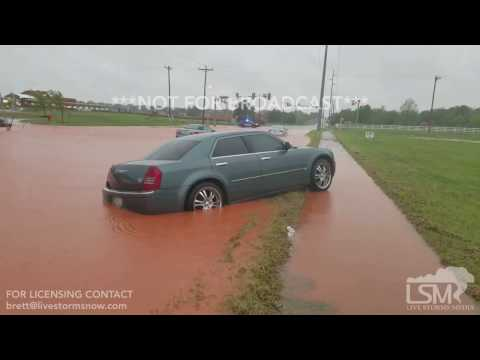 People Stranded on Flooded Roadway with Recovery Efforts - Oklahoma City, OK  04/21/2017