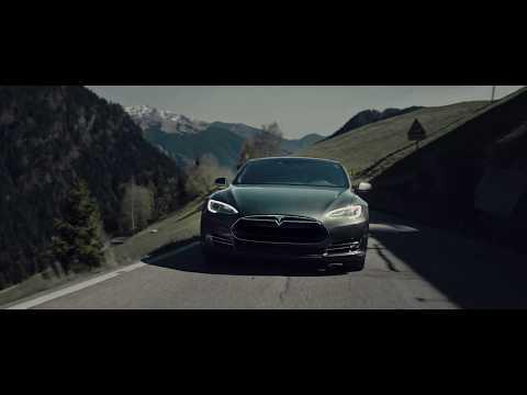 Iklan Mobil Paling Keren Di Dunia