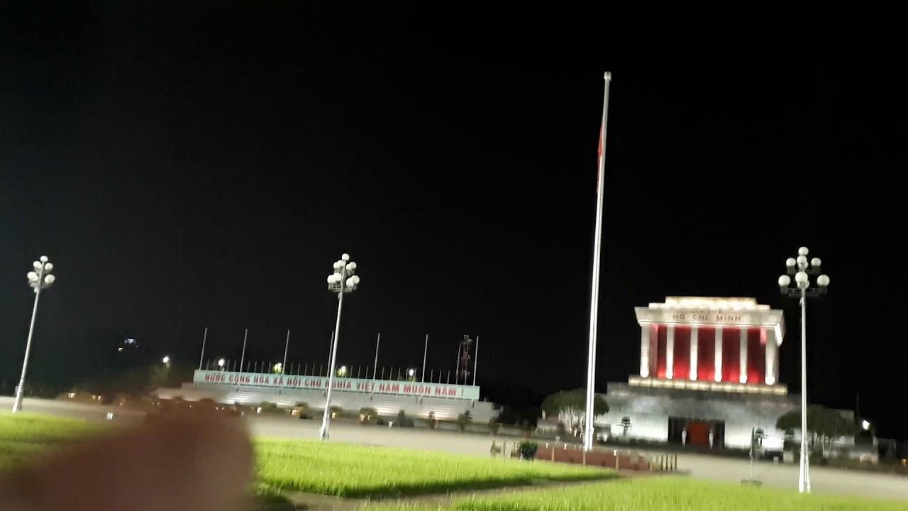 Lễ Hạ Cờ trước Lăng Chủ Tịch Hồ Chí Minh