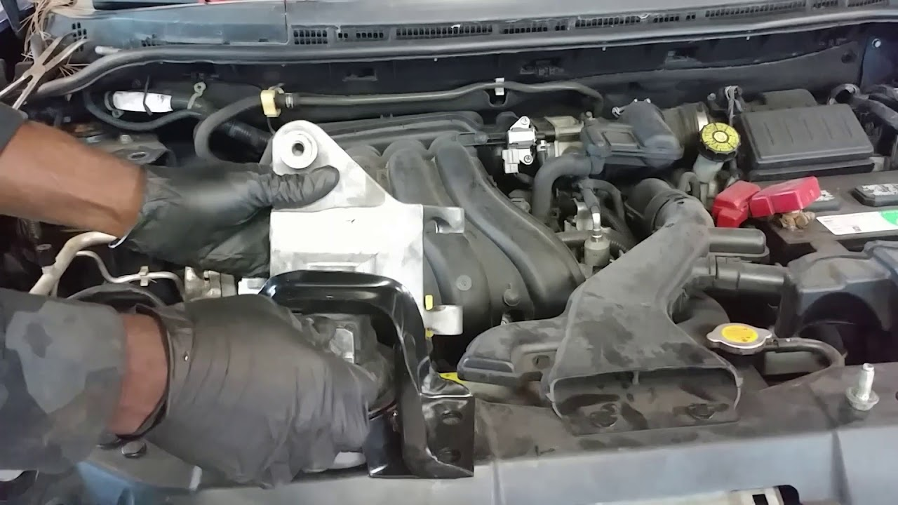 Nissan Versa Right Front Motor Engine Mount And Torque Mount Replacement Youtube